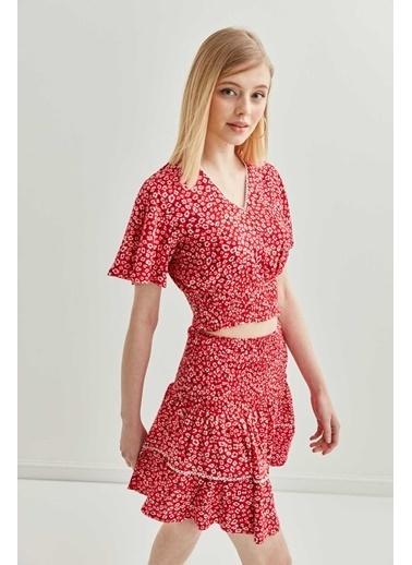 Vitrin Çıtır Çiçek Desenli Gipeli Bluz Etek Takım Kırmızı